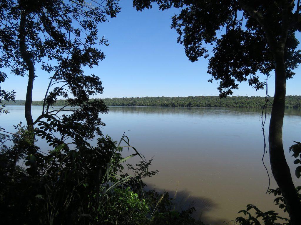 Río iguazú superior en kayak