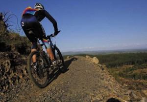 practicando-mountain-bike.jpg